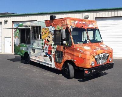 2009 - 34' Workhorse Diesel Brick-Oven Pizza Truck / Mobile Pizzeria