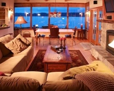 Most Romantic Spot Ever - Beach Hideaway Steps from the Beach - Freeland