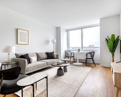 Airy UWS 1BR w/ Doorman, Elevator, Gym, near Columbus Cir, by Blueground - Lincoln Square