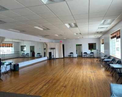 Spacious Dance Studio with Natural Light and Beautiful Wood Flooring, Pittsburgh, PA
