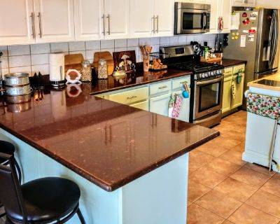 Private room with own bathroom - Rio Rancho , NM 87144