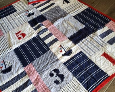 Pottery Barn Kids Twin Quilt with Shams, excellent condition