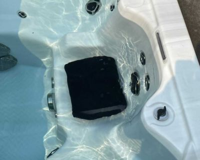 Hot tub booster seats
