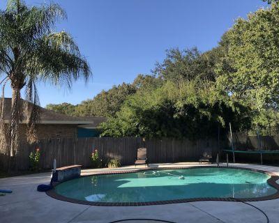 Pool house cottage & gazebo - Lafayette