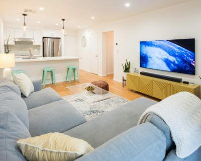 Newly Renovated WEST HOLLYWOOD Condo, Open kitchen, Wood Floors, Large private patio with views of the Hollywood Hills, West Hollywood, CA