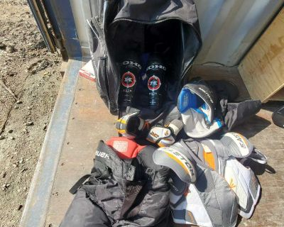 Hockey bag and equipement