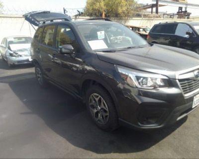 Salvage Gray 2019 Subaru Forester