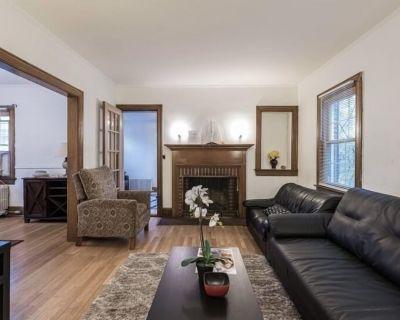 Beautiful Hardwood Floors Brick Home in Heart of DC - Woodridge