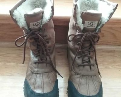 UGG boots, size 10US