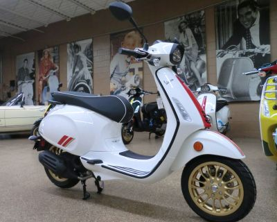 2022 Vespa Sprint 50 Racing Sixties Scooter Downers Grove, IL