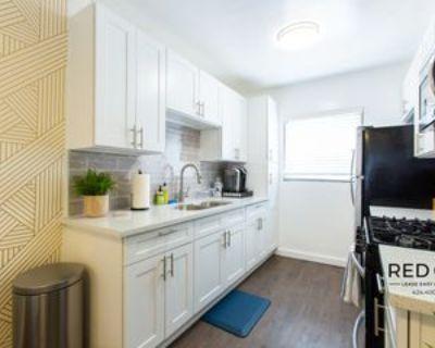 902 N Normandie Ave #7, Los Angeles, CA 90029 1 Bedroom Condo