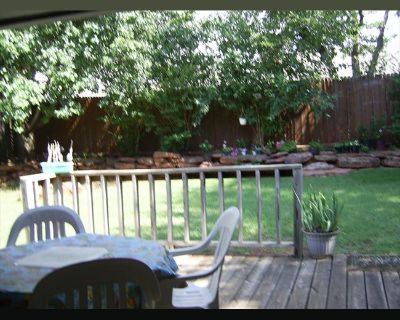 Room for rent in Santa Fe Circle, Edmond - House near UCO and Christain university