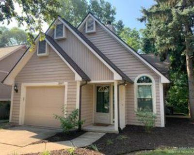 2557 Country Village Ct, Ann Arbor, MI 48103 4 Bedroom Condo
