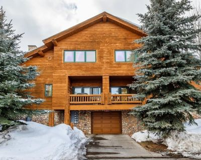Christmas Wk Special! Ski cabin for 8 - 2bd/2.5ba - WALK TO THE LIFTS - Park City