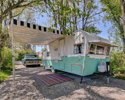 *Downtown Indianapolis, Retro Shasta Camper!*, INDIANAPOLIS, IN