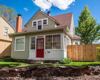 COZY DOWNTOWN COTTAGE WITH HOT TUB - Central Colorado Springs