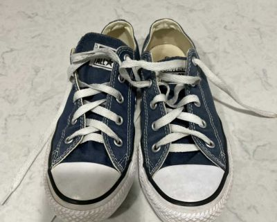 Navy converse, size 2 (unisex low top)