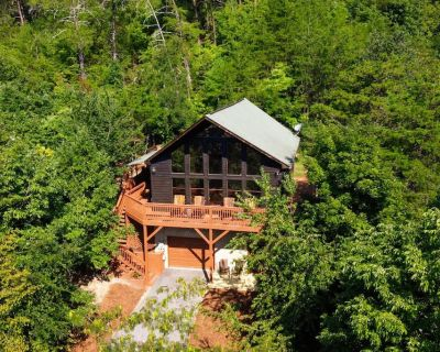 NEW Easy's Retreat Stunning Wears Valley A-Frame Cabin Big Deck 8 Bed - Pigeon Forge
