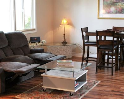 Minutes to All Things San Diego! Spacious 2 bedroom 1 bath entire unit in duplex - Allied Gardens