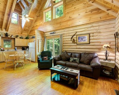 Inviting cabin with pool table, hot tub, fireplace, and pool access - Pigeon Forge