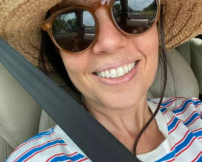 Rebeca, years, Female - Looking in: Williamsburg Williamsburg city VA