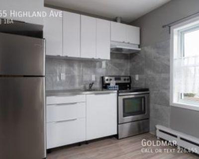 1665 Highland Ave, Windsor, ON N8X 3R9 1 Bedroom Apartment