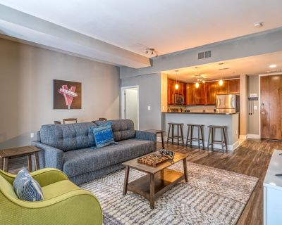 Atlanta | Beautiful 1BD/1BA Downtown Apartment - Downtown Atlanta