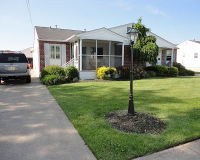 Now booking weekends! Beautifully renovated 3 bedroom, 2 bath home! - Cape May