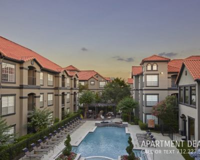 Want to live Montrose ? centrally located & upgraded!