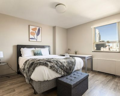 Bright Sunny CozyStays - Downtown Louisville