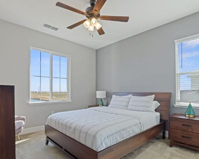 Private room with own bathroom - Lathrop , CA 95330