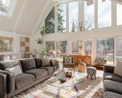 Amazing A-frame With Brand NEW Mountain Modern Interior - Upper Moonridge