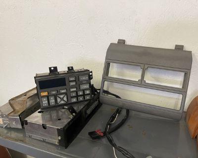 1988-1994 Chevy truck factory radio