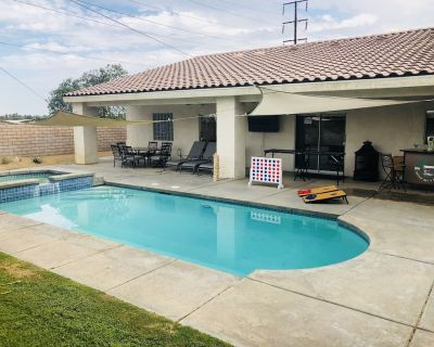 FAMILY FUN spacious 4 bedroom home with pool/spa, bbq, game room & 8 beds - Palm Desert