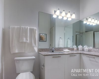 4 weeks free rent!! pet friendly apartment in Braeswood Place