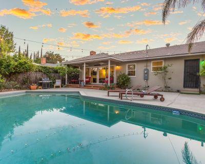 Los Angeles City Home w/Pool + Outdoor Living Area - Winnetka
