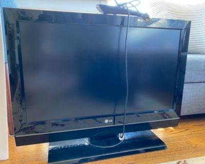 LG 32 inch TV