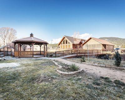 RCCII Beautiful River Front 4Bdrm+loft/2 Bath, hot tub, Gameroom - South Fork