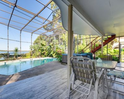Lakefront Tropical Oasis w/ Pool, Hot Tub, and Boating - Pet Friendly - Southwest Orlando