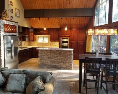 Surrounded by Pines, Family / Pet Friendly minutes from Snow Valley !!! - Running Springs