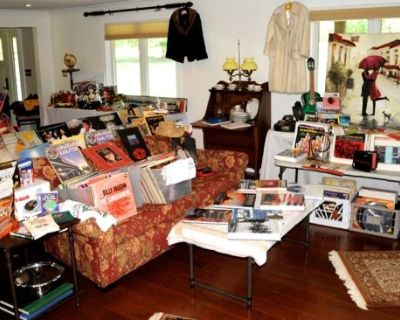 ORCHARD PARK SALE WITH MANY COLLECTIBLES (BUFFALO AREA)