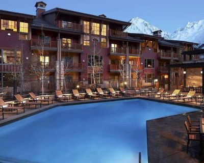 LUXURY Ski-In/Ski-Out Base of Sunrise Lift 4BR Villa at Canyons +Amenities - Park City