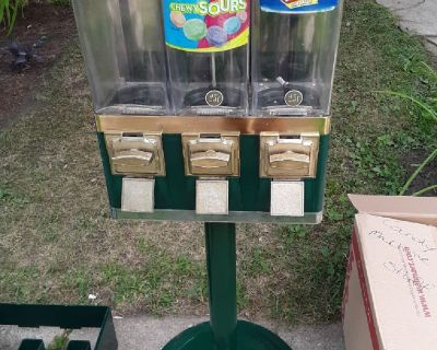 2 candy machines