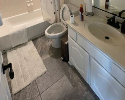 Private room with own bathroom - Fort Worth , TX 76123