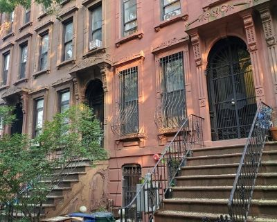 $1150 - Subletting Room in 2 Bed / 2 Bath Browns