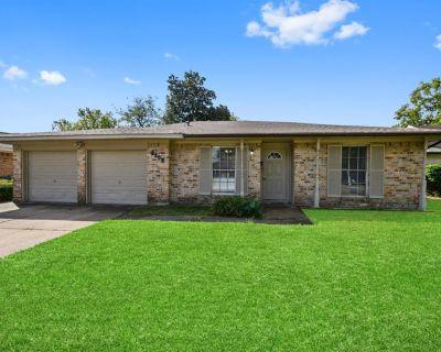 3308 Kathryn Circle, Pasadena, TX 77503