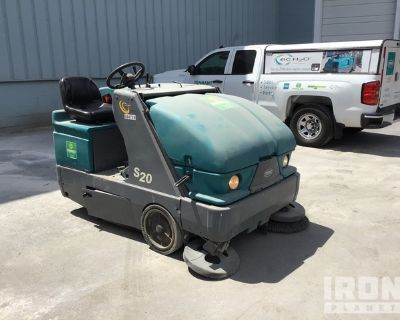 2012 (unverified) Tennant S20 Ride-On Sweeper