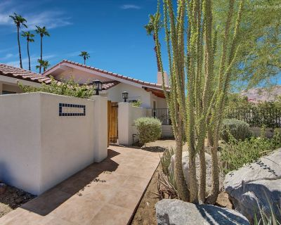 Spectacular 4 Bedroom, 4 Bath w/Bonus Room Private Home with Pool & Spa! - Palm Desert