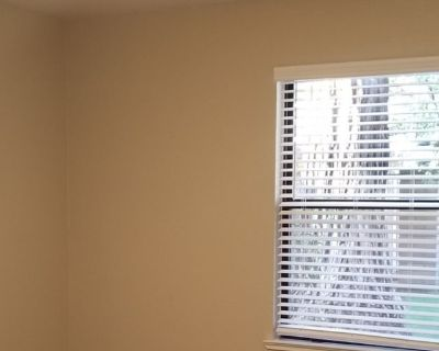 Private room with own bathroom - Turlock , CA 95382