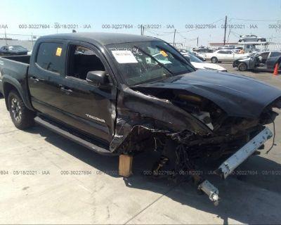 Salvage Black 2017 Toyota Tacoma
